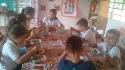 Santa Elena único Municipio que ya proveyó almuerzo escolar en el primer dia de clases