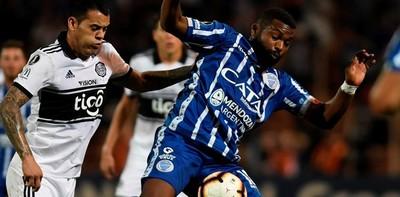 Olimpia debuta con un discreto empate en Mendoza
