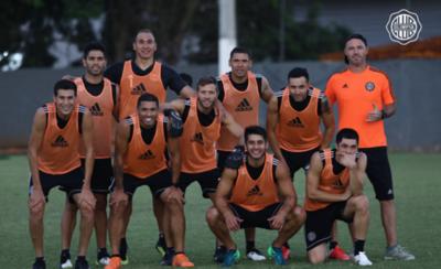 HOY / Garnero escoge a 18 futbolistas para enfrentar a Cerro Porteño