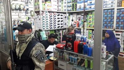 Allanan locales del Mercado 4 e incautan evidencias relacionadas a red de falsificadores