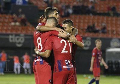 Cerro Porteño goleó a Nacional