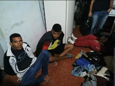 Tras allanamientos, detienen a diez supuestos sicarios en PJC