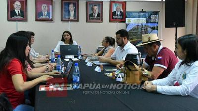 SECRETARIOS DEPARTAMENTALES DE TURISMO SE REUNIERON EN ITAPÚA