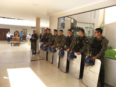 Con amenazas y fuerte custodia policial se espera la sesión en PJC