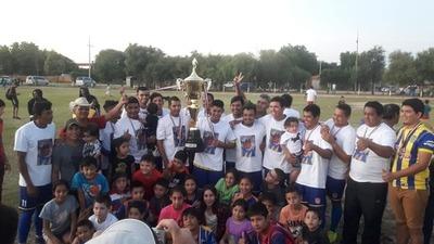 Copa Paraguay. El 3 de Febrero conquistó Boquerón y homenajeó a su difunto DT con un título especial