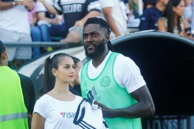 Adebayor debuta como jugador de Olimpia