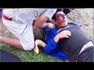 A LOS PUÑOS, UN AGENTE POLICIAL Y HOMBRE SE ENFRENTARON EN CAMBYRETÁ