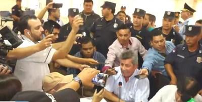 Crisis se agrava en Pedro Juan: Presidente de la Junta Municipal levantó la sesión porque grupo de los 7 pidió su cabeza