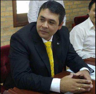 Bernal desmiente audio y asegura mantener una posición política y legislativa responsable
