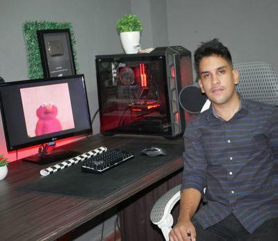 Dando protagonismo a videojuegos, un joven se destaca como youtuber