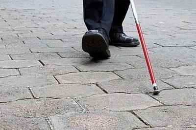 La historia detrás de WeWalk, el bastón inteligente para ciegos que se venderá en 2019