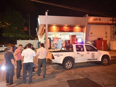 Delincuente roba G. 10 millones de minimercado en el barrio Mburicaó