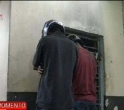 Detienen a jóvenes que habrían asaltado a trabajadora en Limpio