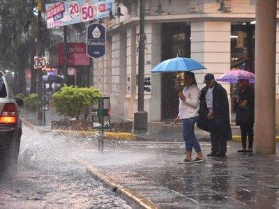 Meteorología emite alerta de tormentas y fuertes vientos para casi todo el país