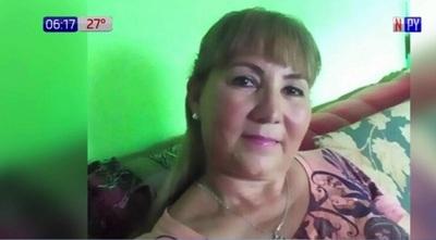 Mujer es agredida por su pareja y vecinos la rescatan