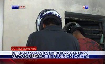 """Detenido confiesa que """"por estúpidos"""" asaltaron a una mujer"""