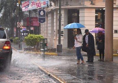 Meteorología emite alerta de lluvias, tormentas y fuertes vientos para casi todo el país