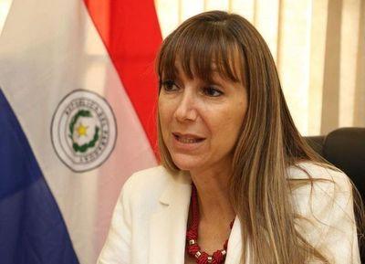 """Desempleo golpea más a mujeres en Paraguay: muchos otros están peor, """"consuela"""" la ministra"""