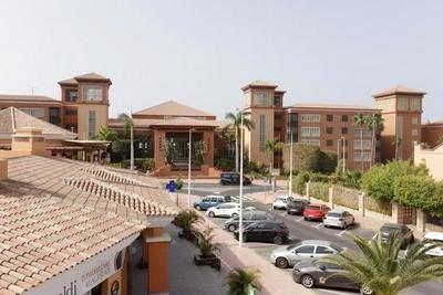 España pone un hotel en cuarentena por caso de coronavirus