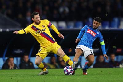 Barcelona consigue un gran empate en el San Paolo