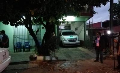 HOY / Hombre de 24 años acusado  de matar a su pareja de 41:   la víctima murió desangrada