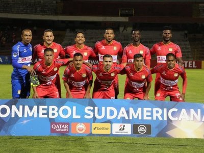 Sport Huancayo elimina a Argentinos Juniors y avanza a la segunda fase