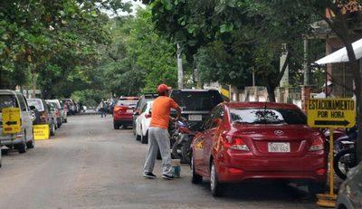 Cuidacoches y limpiavidrios tendrán que abandonar las calles