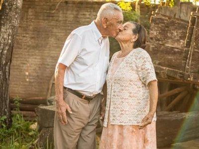 El amor de 70 años al que el  alzhéimer no puede vencer