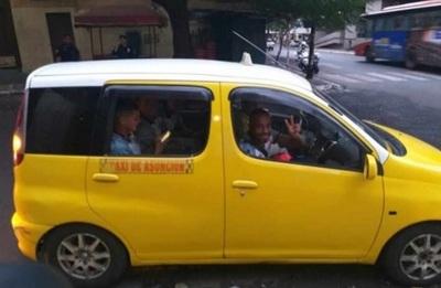 Ni Uber, ni MUV: River se trasladó en taxis escoltados por policías