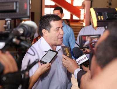 """Feria de empleos en ANR: """"Función de un partido político no solamente debe ser hacer elecciones"""", afirma HC"""