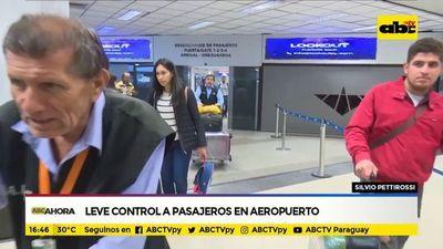 Coronavirus: Leves controles a pasajeros procedentes de Madrid en aeropuerto