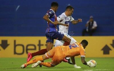 Con una dosis de 3-1, Bahía humilló y eliminó a Nacional