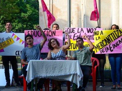 Universitarios lanzan organización para luchar por educación de calidad