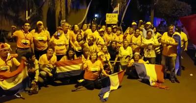 Escracharon a Nicanor Duarte Frutos frente a su vivienda