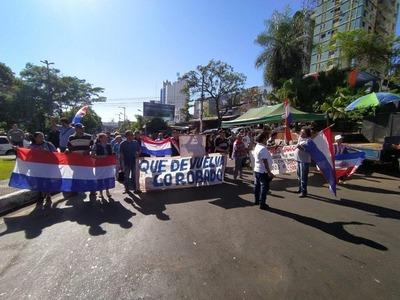 Cárcel para el clan ZI: Manifestación en el centro de CDE