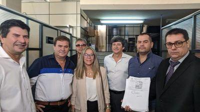 Amplían denuncia y pruebas contra Armando Gómez