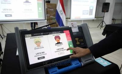 HOY / TSJE recibe las primeras máquinas de votación e inician desafío de capacitar a la gente