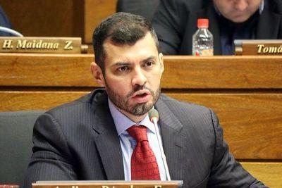Asunción: Hugo Ramírez oficializó su candidatura a intendente
