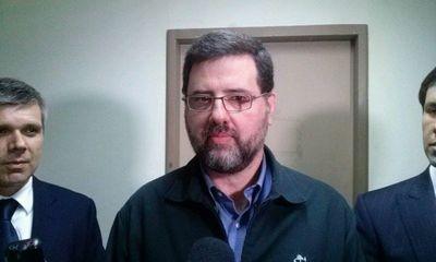 Confirman condena de tres años de cárcel para ex ministro de Educación