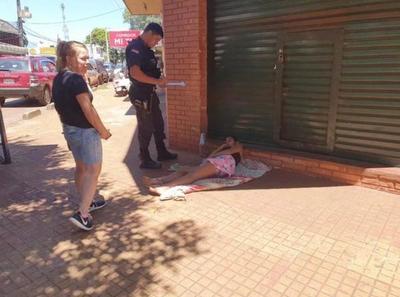 Prenden fuego a una indigente embarazada en Ciudad del Este