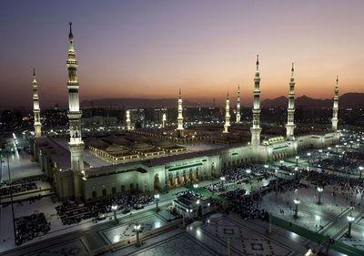 Arabia suspende la entrada de peregrinos a La Meca