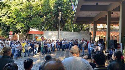 Funcionarios de la Ande realizaron paro y protestas