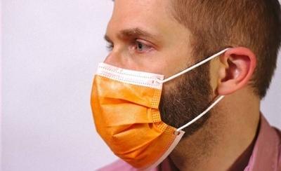HOY / Hora de afeitarse: barba puede volver inservible al tapabocas, advierten