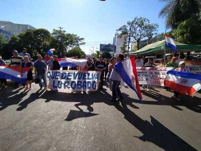 Se manifestaron para exigir cárcel para el clan Zacarías