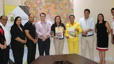 Facultad firma convenio con bomberos de CDE