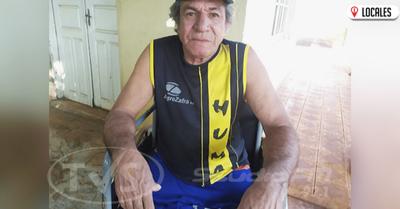 Un hombre solicita ayuda de la ciudadanía para montar su microempresa