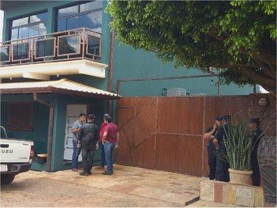 Atentan contra comerciante frente a su vivienda en Amambay