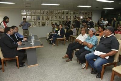 Juez hizo lugar al amparo de la Municipalidad de Asunción contra cuidacoches