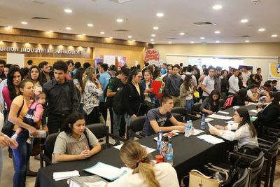 Gran participación en maratón de empleos del Ministerio de Trabajo