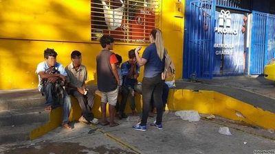 Rescataron a 18 niños indígenas de zona de la Terminal
